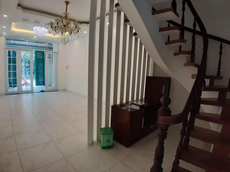 Cho thuê nguyên căn đường 12m, khu Tân Thuận, sau lưng Điện Máy Xanh Quận 7