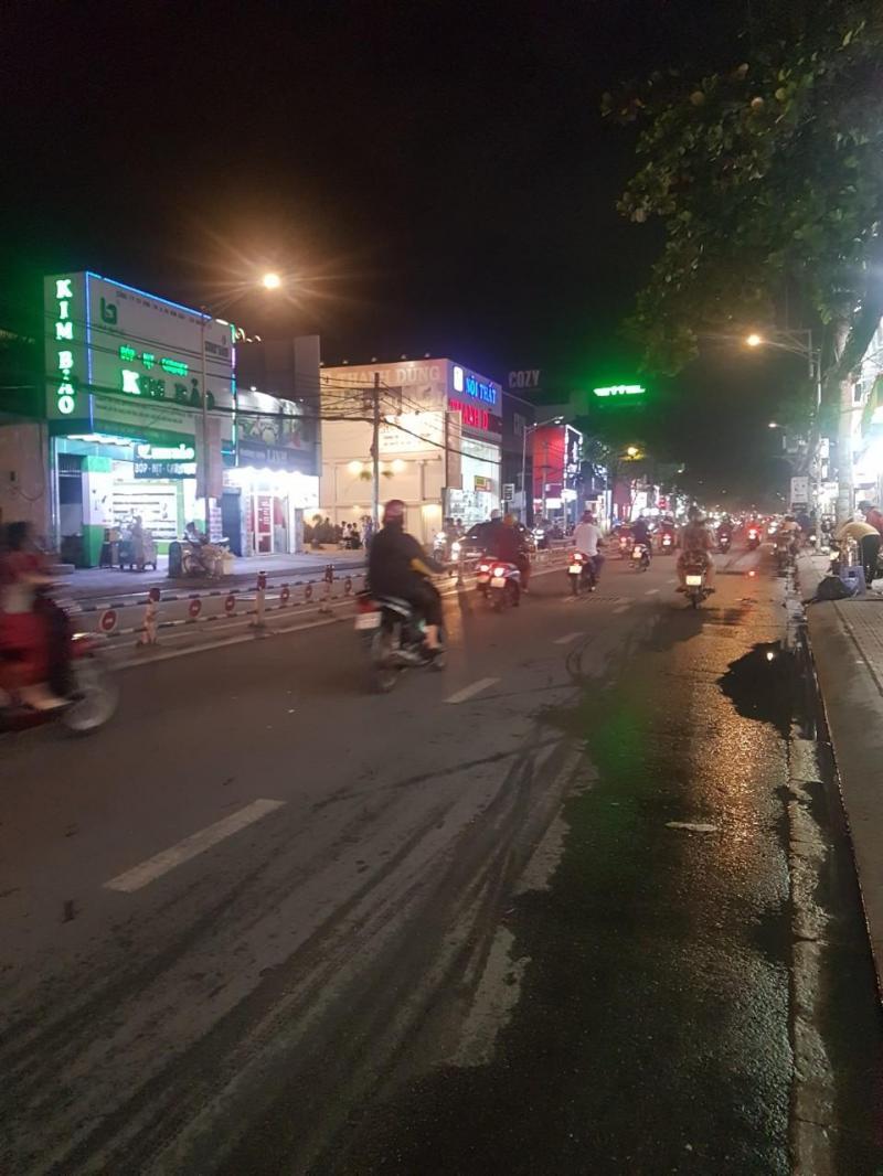 Cho thuê 10,6m x 40m, mặt tiền Nguyễn Thị Thập, Quận 7 (0901607890)