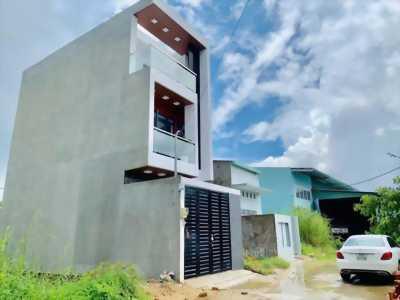 Bán ngay nhà mới xây 100%, cạnh khu đông tăng long quận 9
