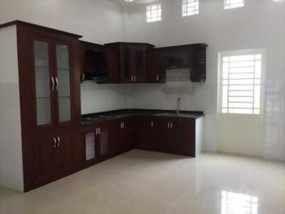 Bán nhà mới 100% 1 trệt 2 lầu đường B2 KDC Hưng Phú