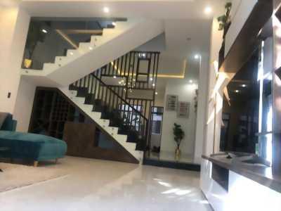 Gia đình xuất ngoại nên cần bán gấp căn nhà đẹp ở Hải Châu.