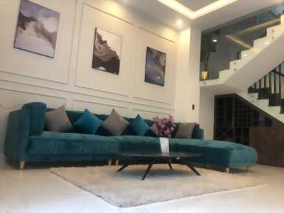 Bán gấp nhà mặt phố 3 tầng, full nội thất, diện tích 82.5m2.