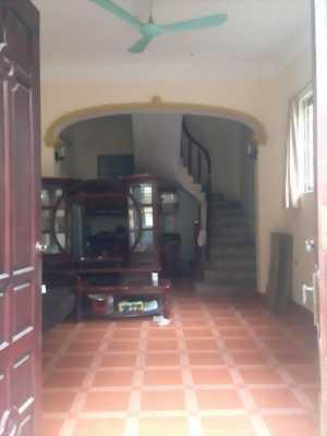 Mình cần bán giá rẻ nhà riêng 4 tầng, 32,6m2, ngõ 175 Tam Trinh, Hà Nội