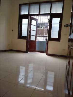Mình cần nhượng giá rẻ nhà 4 tầng 45m2 có 2 mặt tiền, ngõ 280 Tam Trinh