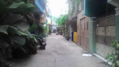 Bán gấp nhà 2 mặt hẻm hết lộ giới Trường Sa, P.3, Tân Bình