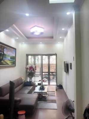 Bán nhà Nguyễn Trãi, 30m2, 2 tầng, cách phố 10m