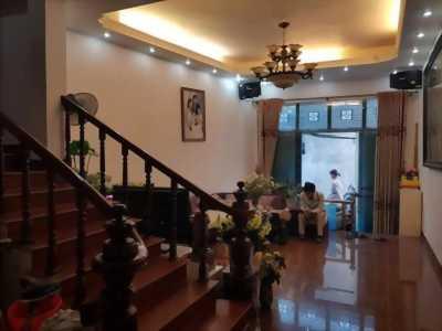 Nhà đẹp, diện tích 28m2 Thanh Xuân, giá hơn 2 tỷ