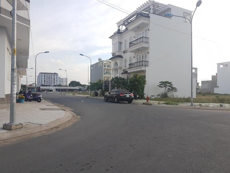 Còn 1căn nhà duy nhất ngay Coopmart Bình Triệu, 1trệt 2lầu