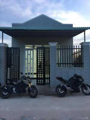 Bán nhà mới xây