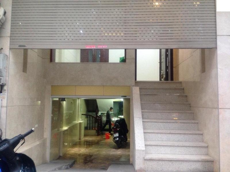 Bán khách sạn tư nhân 4 tầng, 300m2, 24 phòng, 45tr/m2