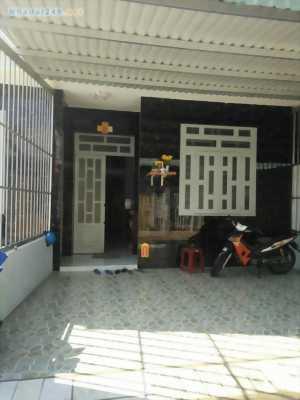 Nhà dt 100m2, 1 lầu 2 phòng ngủ, kcn Cầu Tràm