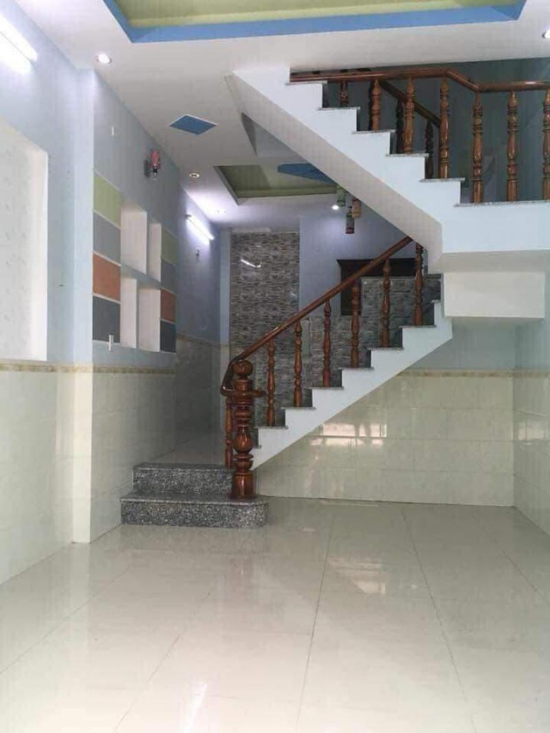 Nhà cuối đường Nguyễn Văn Quá giáp Gò Vấp, TPHCM