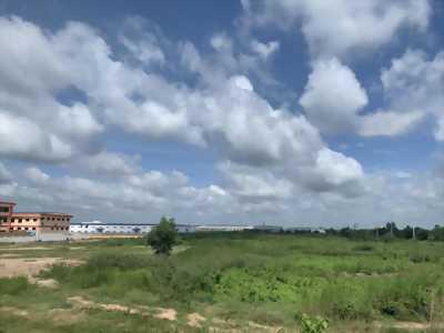 Bán đất kinh doanh, xây dựng kho xưởng trong Khu công nghiệp Vĩnh Lộc thuộc địa phận Bến Lức, Long An