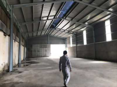 Cho thuê kho xưởng 1300m2 phù hợp sản xuất nhiều mặt hàng đa dạng, mặt tiền thuộc cụm KCN Bến Lức tỉnh Long An