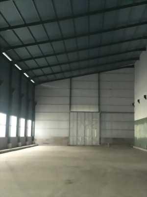 Chính chủ cho thuê gấp 1700m2 kho xưởng mặt tiền Quốc Lộ 1A thuộc khu vực Bến Lức, Long An