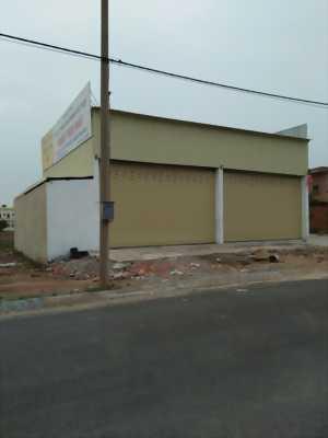 Cần bán gấp nhà xưởng rộng 240m2, Huyện Bình Chánh