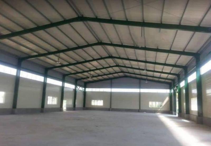 Nhà xưởng cho thuê 10m x 60m, giá 30tr/th mặt tiền đường Láng Le, gần KCN Lê Minh Xuân