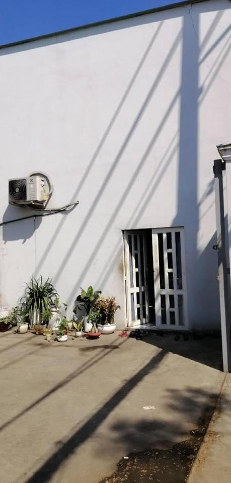 Cần cho thuê kho 20m * 50m mặt tiền đường Trần Văn Giàu, giá 70 triệu/ tháng