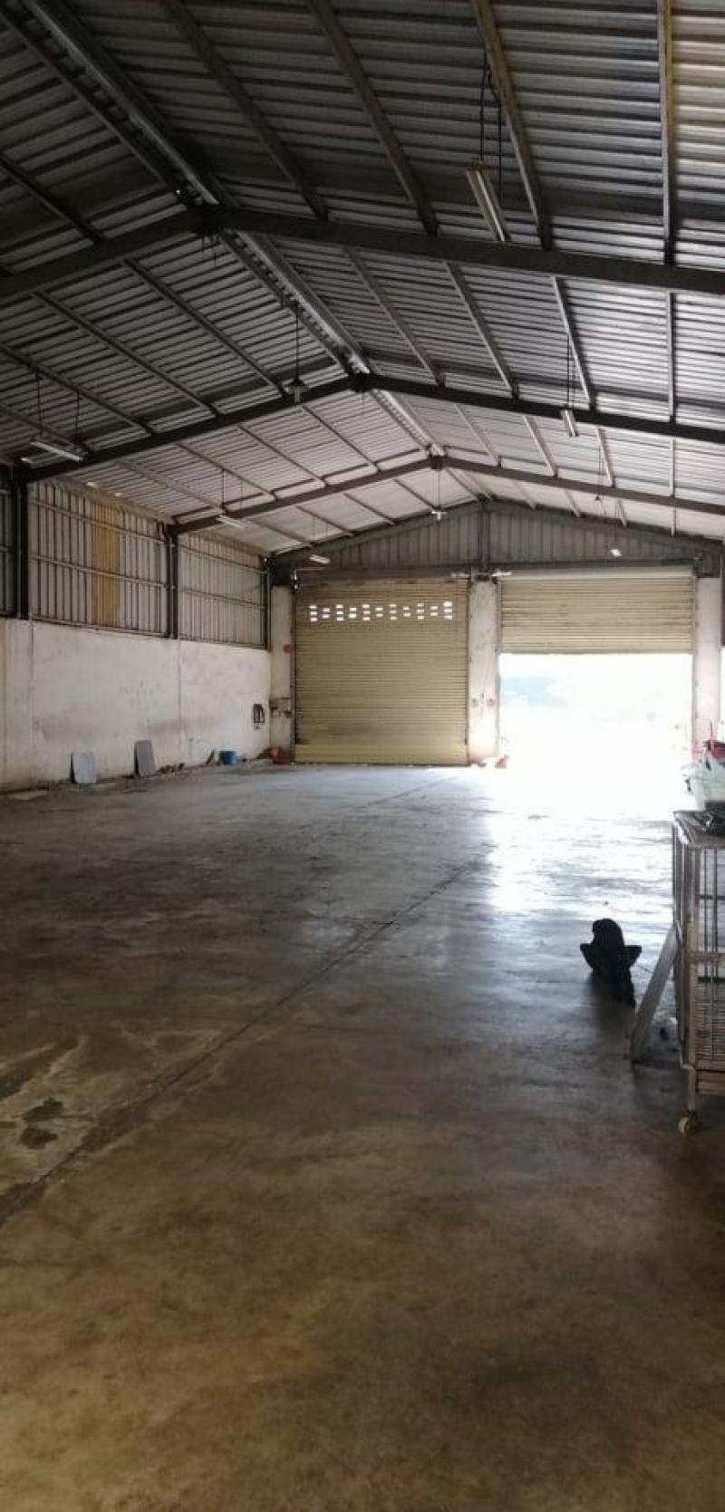 Cho thuê kho xưởng 17m x 45m, giá 60 triệu/tháng, mặt tiền đường Võ Văn Vân, huyện Bình Chánh.