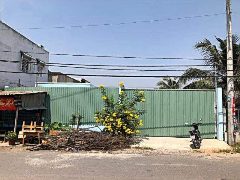 Cho thuê khuôn viên kho xưởng 1.500m2 huyện Bình Chánh, Xã Phạm Văn Hai (gần cầu Bà Lát)