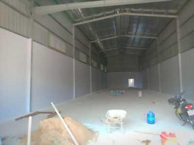 Cần bán 500m2 đất có xưởng 300m2 (thổ cư) đường Tỉnh Lộ 10, huyện Bình Chánh.