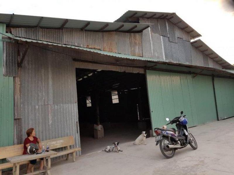 0909.772.186 Cho thuê kho rộng 1.100m2 tại xã An Phú Tây, huyện Bình Chánh.
