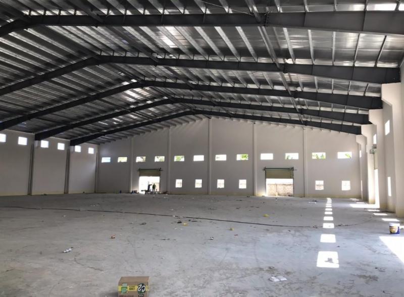 Cho thuê kho, nhà xưởng mới hoàn thiện tại đường Quốc Lộ 1, xã Bình Chánh gần chợ Bình Chánh.