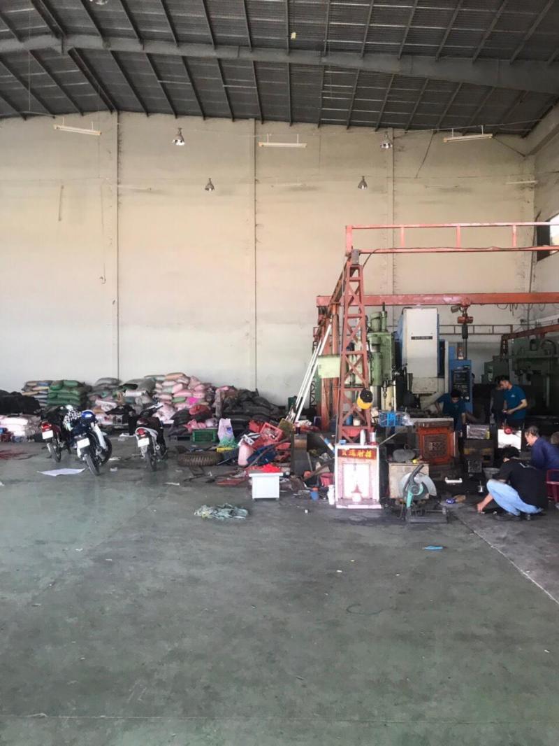 Công ty cần cho thuê nhà xưởng trống tại mặt tiền Quốc lộ 1A ngay chợ Bình Chánh