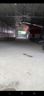 Cho thuê kho xưởng mặt tiền đường Nguyễn Hữu Trí, thị trấn Tân Túc, huyện Bình Chánh
