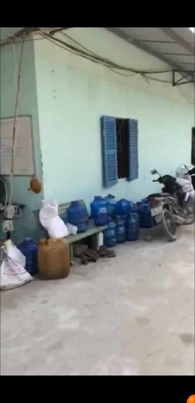 Cho thuê làm nhà xưởng hoặc kho hàng 2.000m2, giá 30 tr/th huyện Đức Hòa, tỉnh Long An.