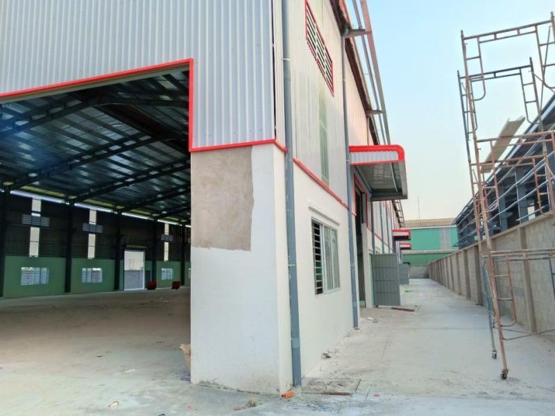 Cho thuê nhà kho KCN Tân Đức, dt 3.000m2, giá chỉ 2,7usd/m2. LH: 0945.825.408 Mr.Long