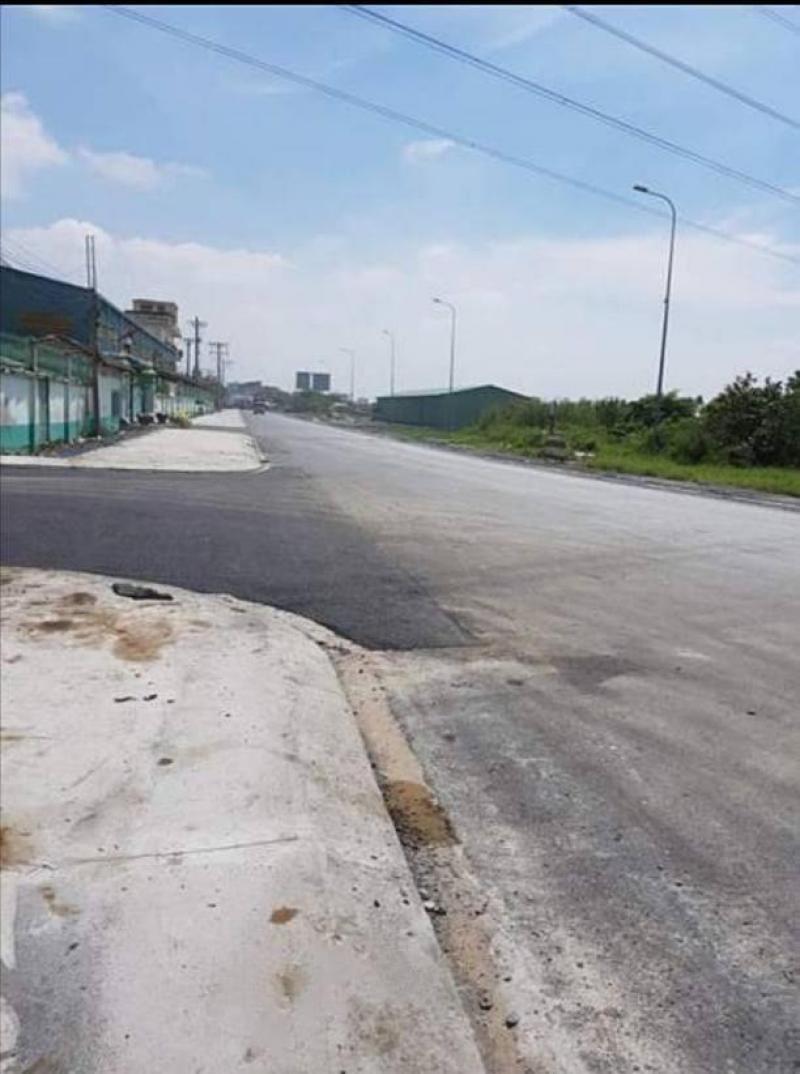 094 582 5408 Cho thuê kho xưởng gần Cảng Phú Định, Quận 8. DT 1.000m2, tiện lợi xe container.