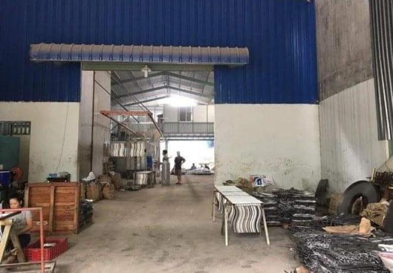Cần cho thuê xưởng Phường Tân Tạo, Quận Bình Tân. DT 500m2, có sẵn văn phòng. Lh 0909.772.186