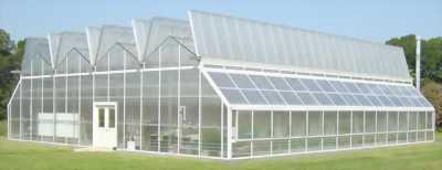 Thiết bị điện mặt trời cho khu nhà trồng rau sạch