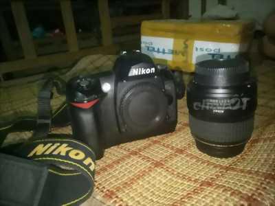 Bán máy chụp ảnh Nikon D70