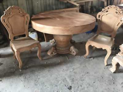 Hàng độc Mặt bàn gỗ phay đường kính 1m90 dày 24 cm.
