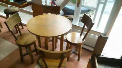 Chuyên sản xuất bàn ghế bàn ghế gỗ khối giá lại rẻ