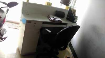 Chuyển văn phòng nên cần sang lại quầy tiếp tân