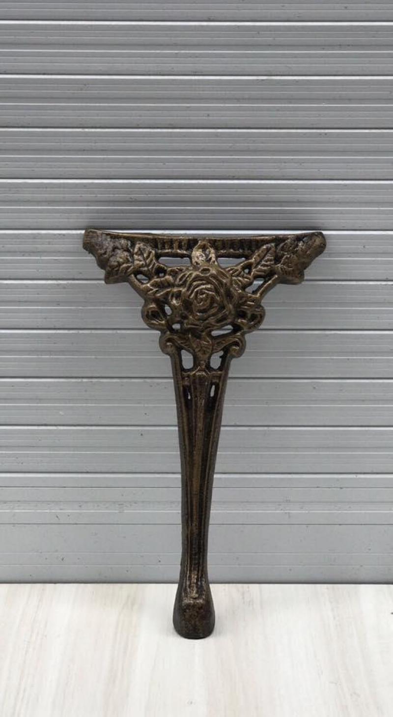 Chân bàn, chân ghế sắt sơn tĩnh điện