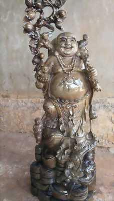 Tượng gỗ thủy tùng tại Đắk Lắk