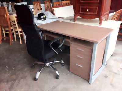 Bộ bàn làm việc chân sắt BLV1350