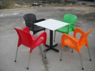 Bán bàn và ghế