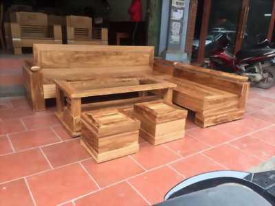 Cần bán bộ bàn ghế gỗ đang sử dung còn mới
