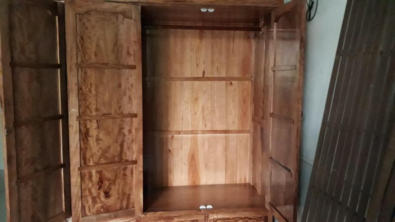 Bán tủ gỗ