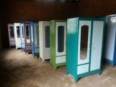 Tủ sắt quần áo 1m6 giá 600k, giao hàng miễn phí