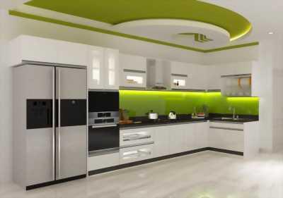 Tủ bếp acrylic chữ L hiện đại với sắc trắng thanh lịch