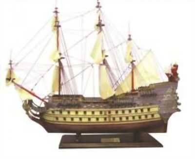 Thuyền Soleil Royal bằng gỗ căm xe