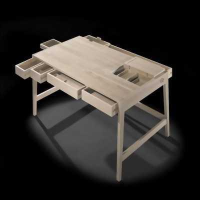 Cần bán bàn học, bàn làm việc có thể xếp gọn, tiện dụng