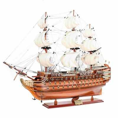 THuyền gỗ HMS Victory tại Bình Thạnh