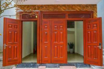 Cửa thép vân gỗ DH Group phù hợp mọi không gian 25.4